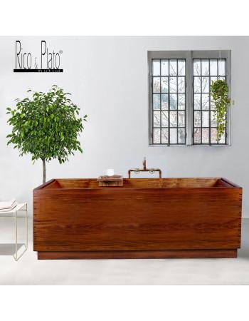 Mahogany wooden bathtub by Rico & Plato