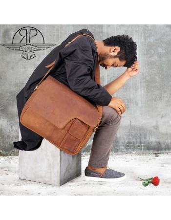Buy online Leather Bag 'Dan' I Rico & Plato